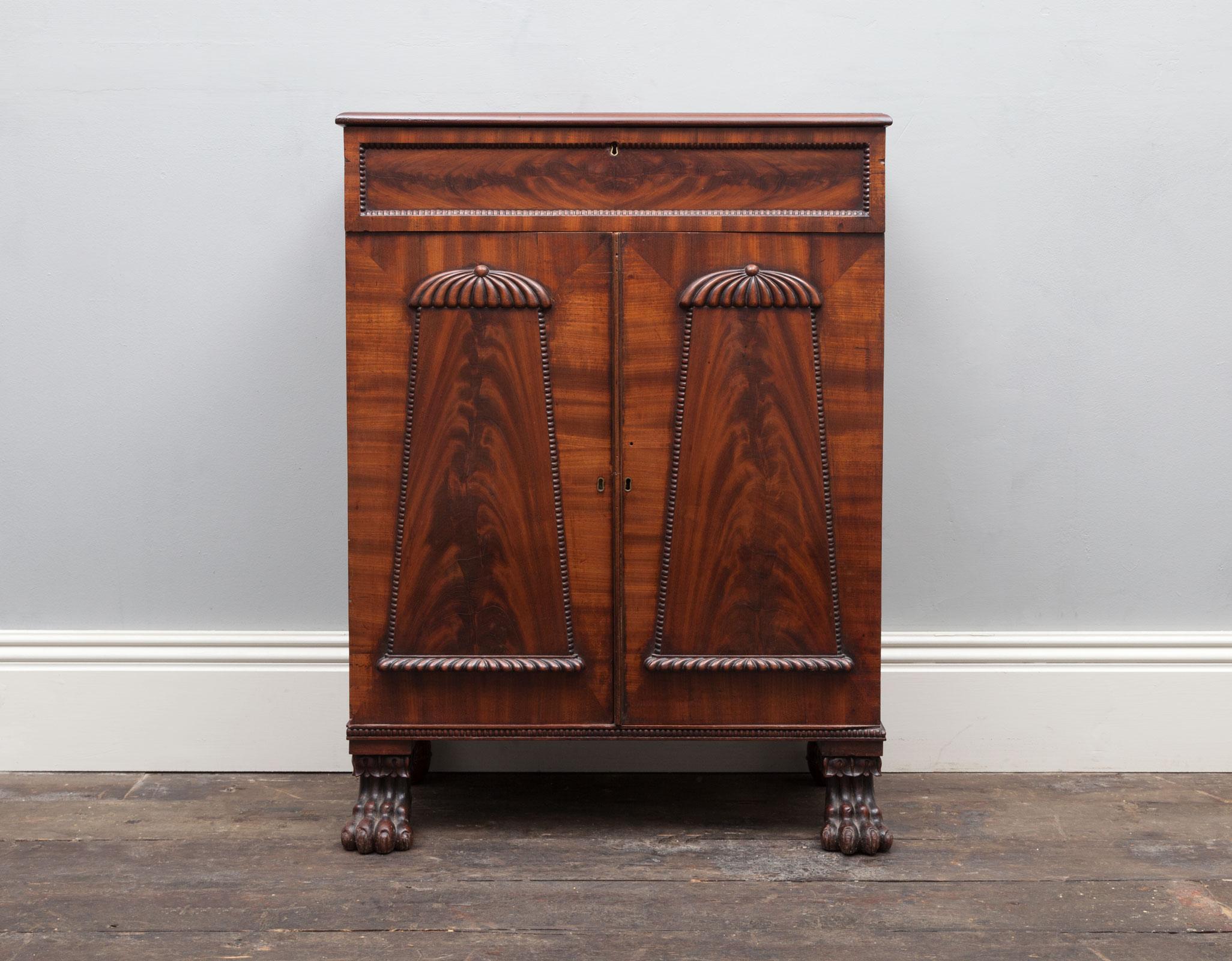 Regency Cabinet – AF055