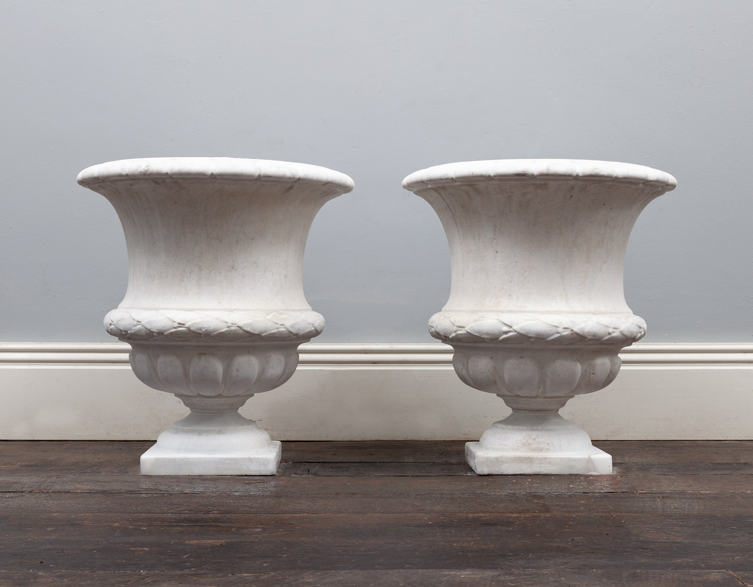 Marble Urns – SC025