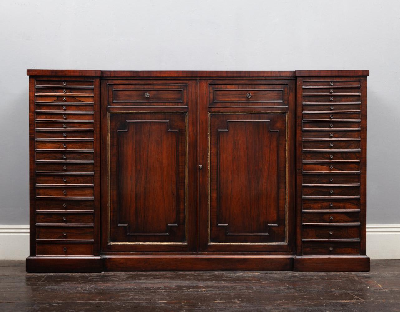 Collectors Cabinet – AF130