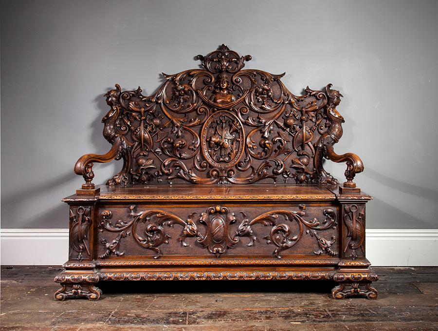 Renaissance Hall Bench – AF024
