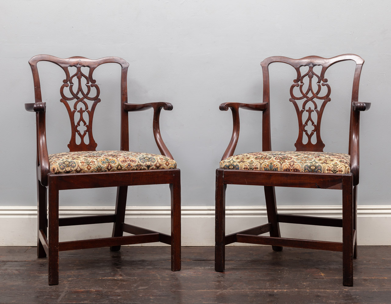 Pair of Chairs – AF118
