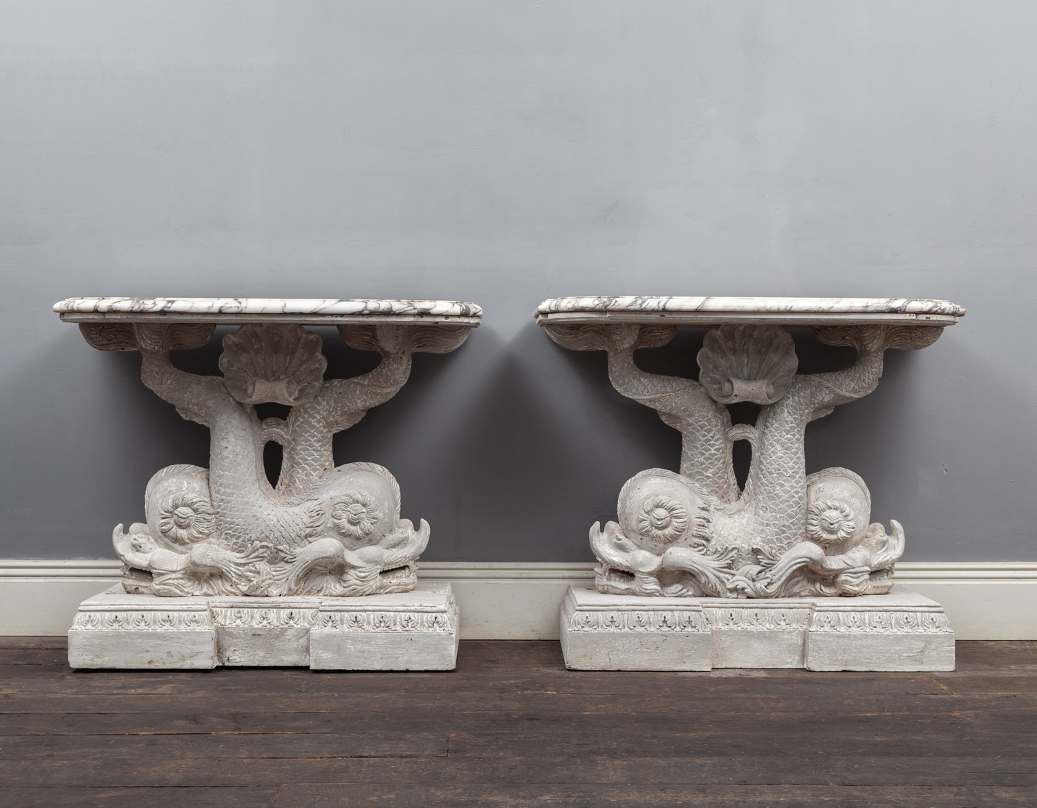Pair dolphin tables – AF133
