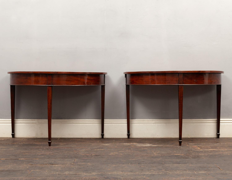 Pair of tables – AF135