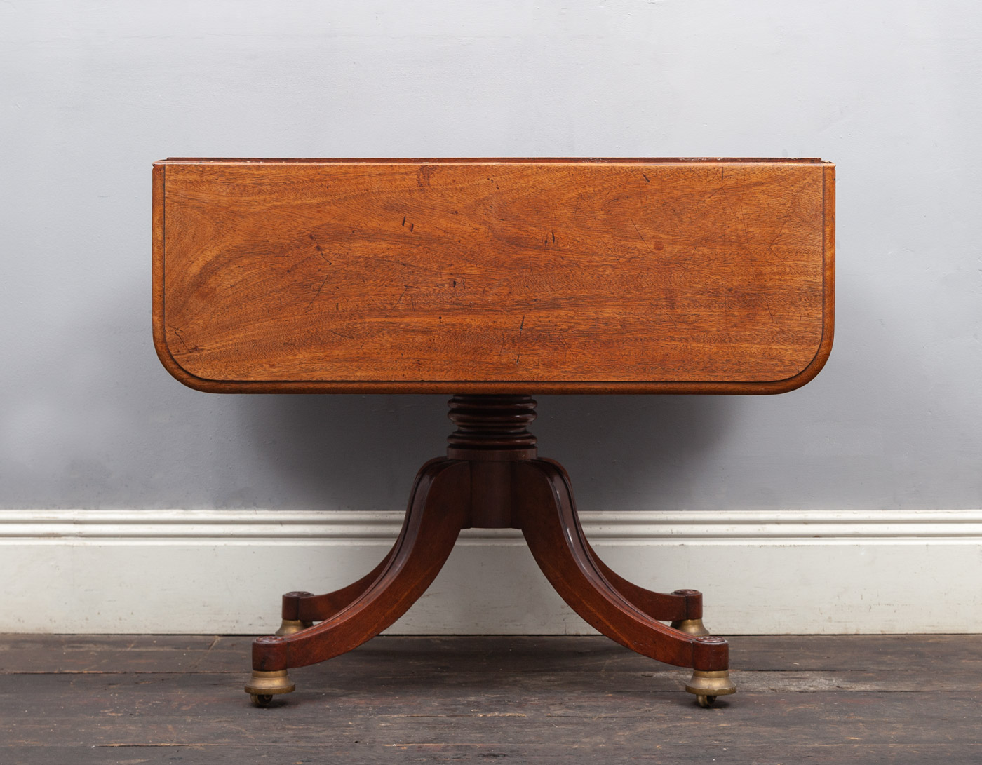 Antique Table – AF139