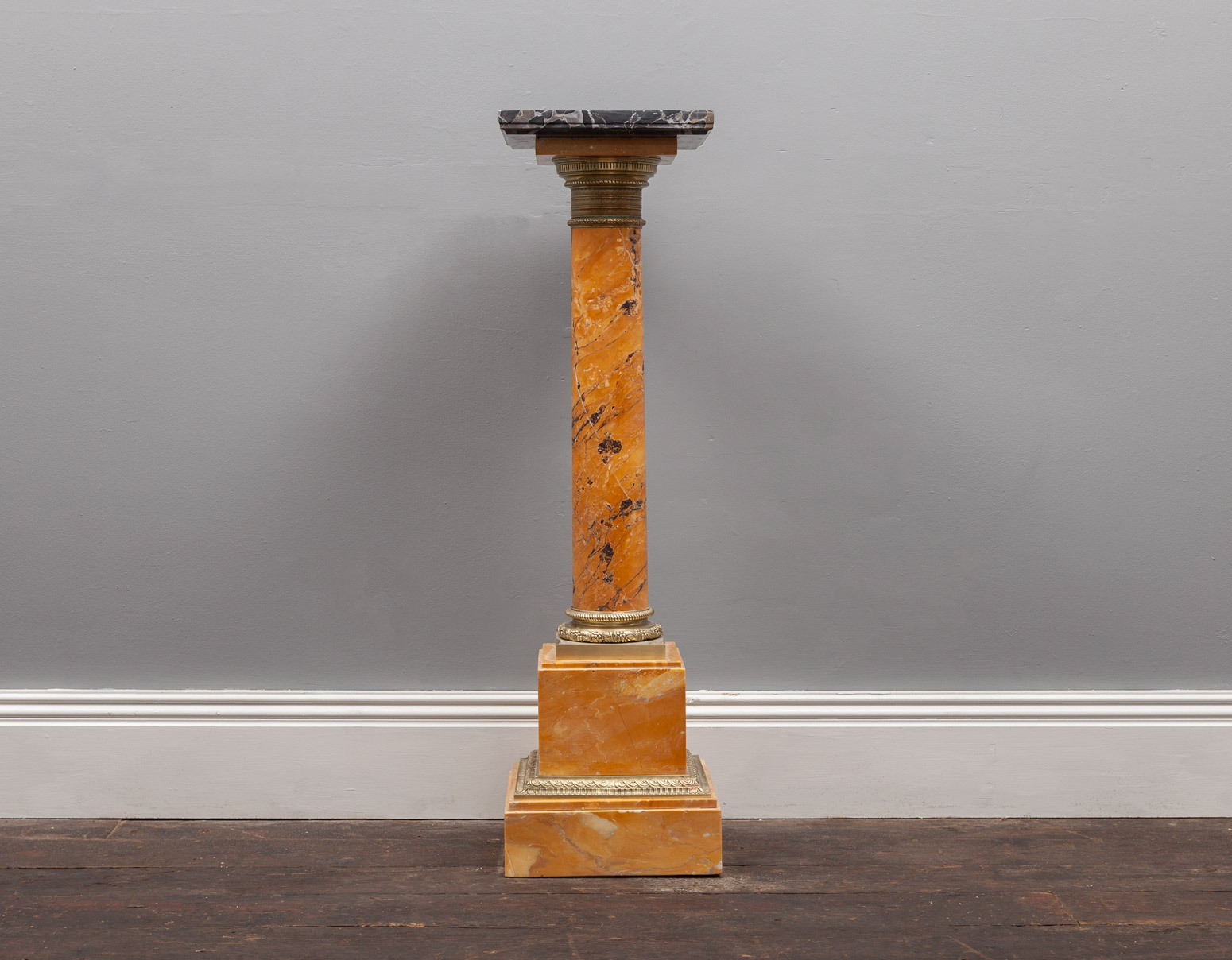 Pedestal AF146