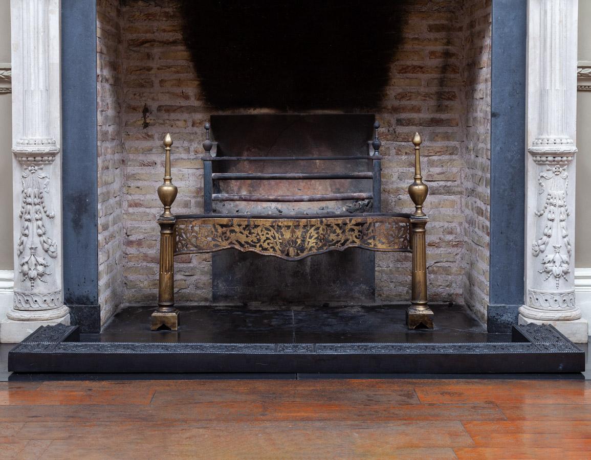Fireplace Fender – F081